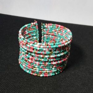 🆕 NWT Multicolored Bohemian Multilayered bracelet